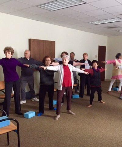 http://www.sageeldercare.org/wp-content/uploads/2018/03/yoga-class-2.9.18-400x480.jpg